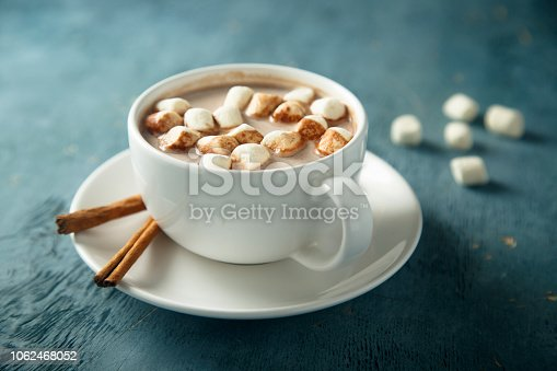 Hot chocolate with marshmallow and cinnamon