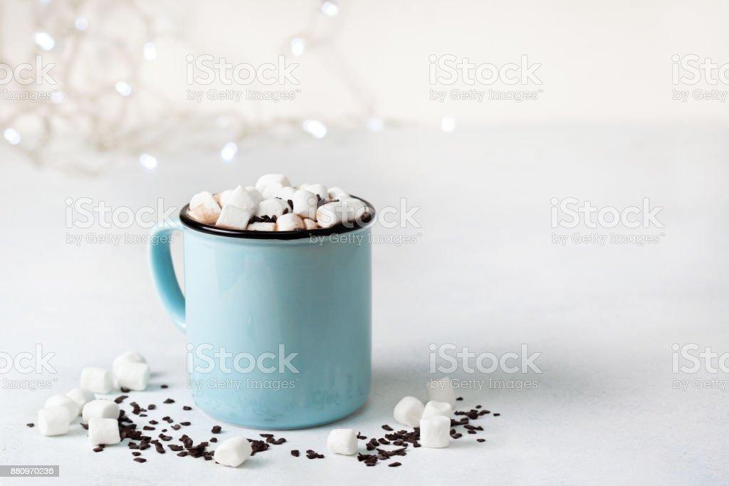 chocolate quente com marshmallow - foto de acervo