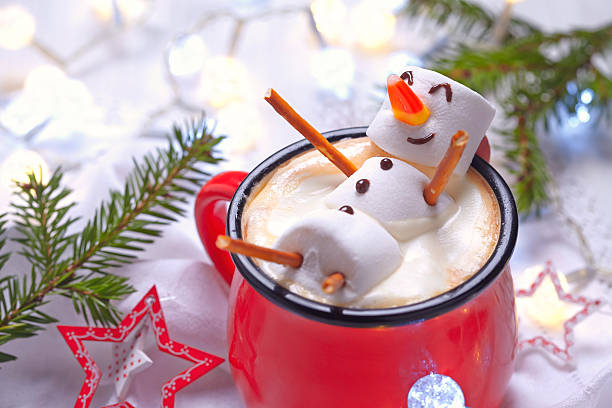 hot chocolate with melted snowman - 季節 個照片及圖片檔