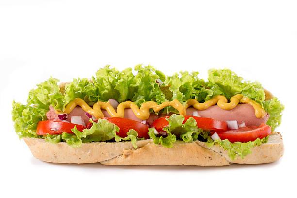 hot dog isoliert - spieltag vorspeisen stock-fotos und bilder
