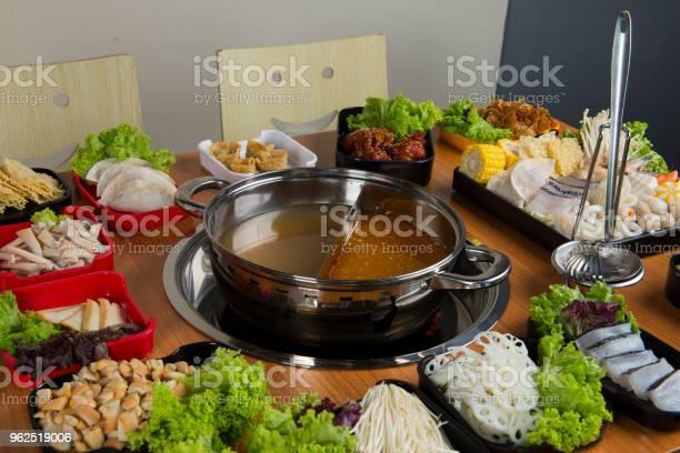 Foto de Panela Quente Com Duplo Sabor e mais fotos de stock de Banquete