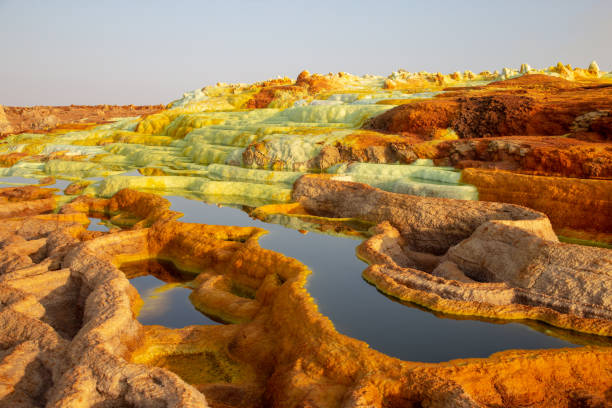 hot springs in the danakil depression - zolfo foto e immagini stock