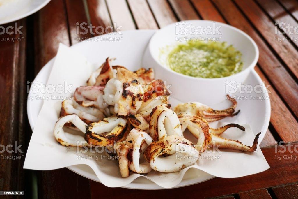 hete squid gegrild op tafel - Royalty-free Avondmaaltijd Stockfoto