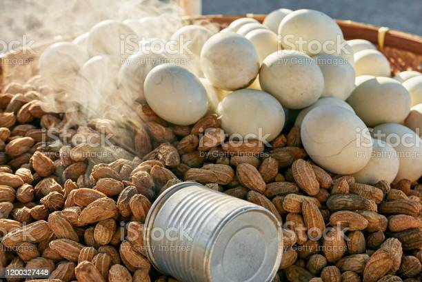 Hot steamed peanuts and boiled eggs on a tray picture id1200327448?b=1&k=6&m=1200327448&s=612x612&h=rtosdfxcyqqnciki1pfyxyooeqv3tc7edtxwx yvufi=