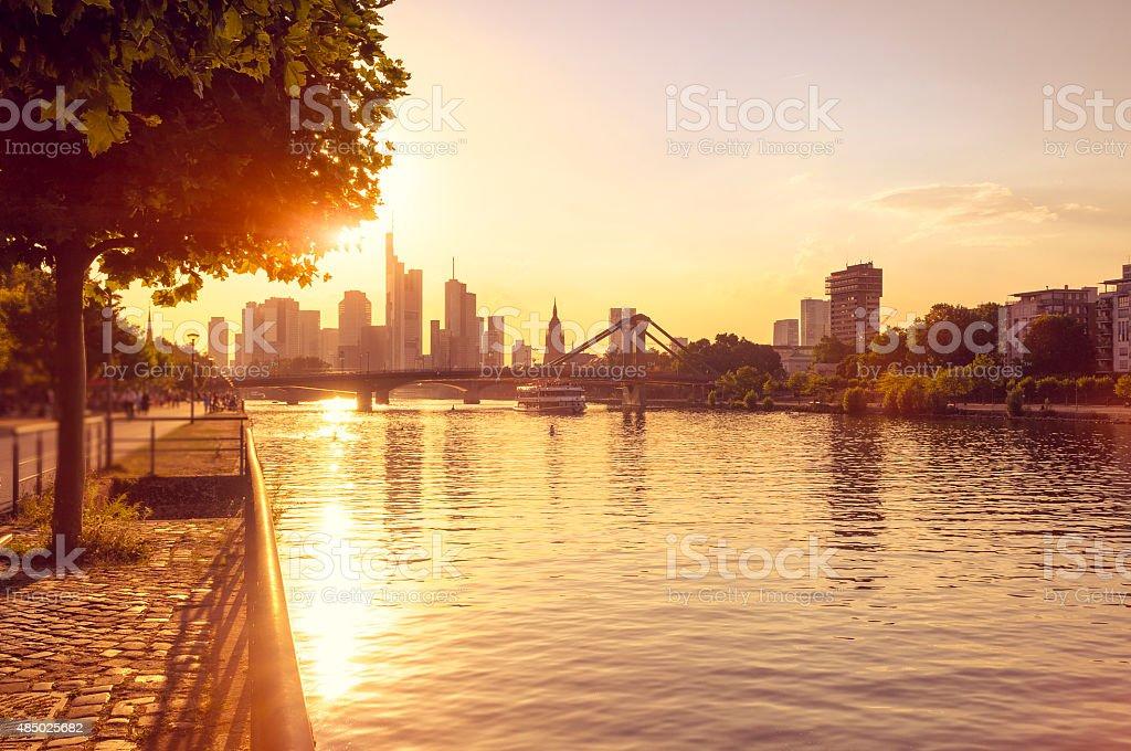 Heißer Sommer Abend in Frankfurt am Main – Foto
