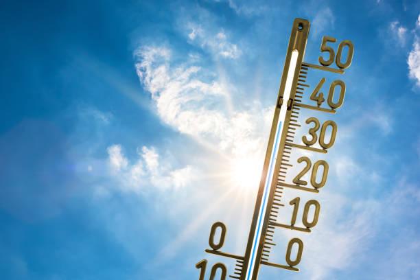 heißer sommer - wettervorhersage deutschland stock-fotos und bilder