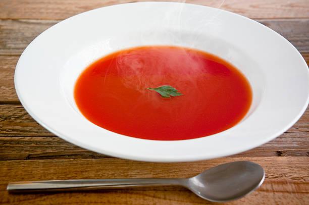 - tomatensuppe - kalte tomatensuppe stock-fotos und bilder