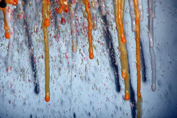 heißes wachs hintergrund glas - herz wachsmalerei stock-fotos und bilder