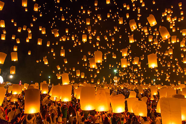 hot-air balloons - fireworks sky - fotografias e filmes do acervo