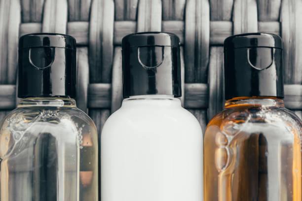 tubos de banho do hotel - shampoo - fotografias e filmes do acervo