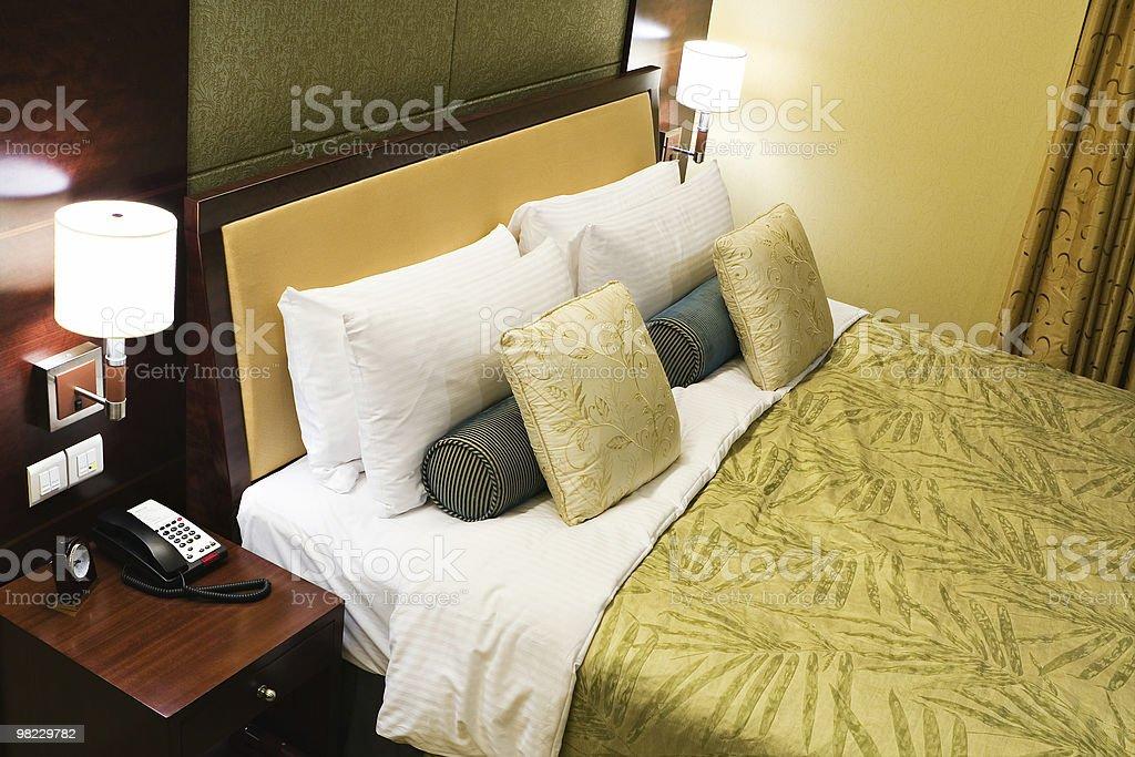 호텔 침대 1개 royalty-free 스톡 사진