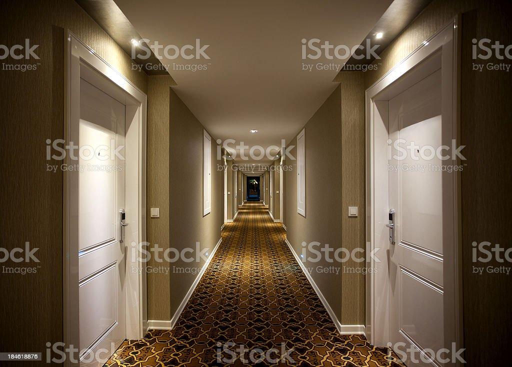 Illuminazione Di Un Corridoio : Corridoio dellhotel fotografie stock e altre immagini di albergo