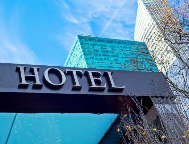 wejście do hotelu - hotel zdjęcia i obrazy z banku zdjęć