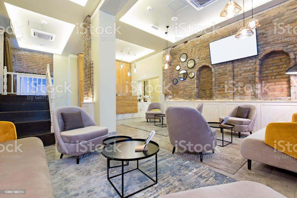 Foto De Interior Do Hotel Lobby Lounge Cafe E Mais Fotos De Stock De Aconchegante Istock