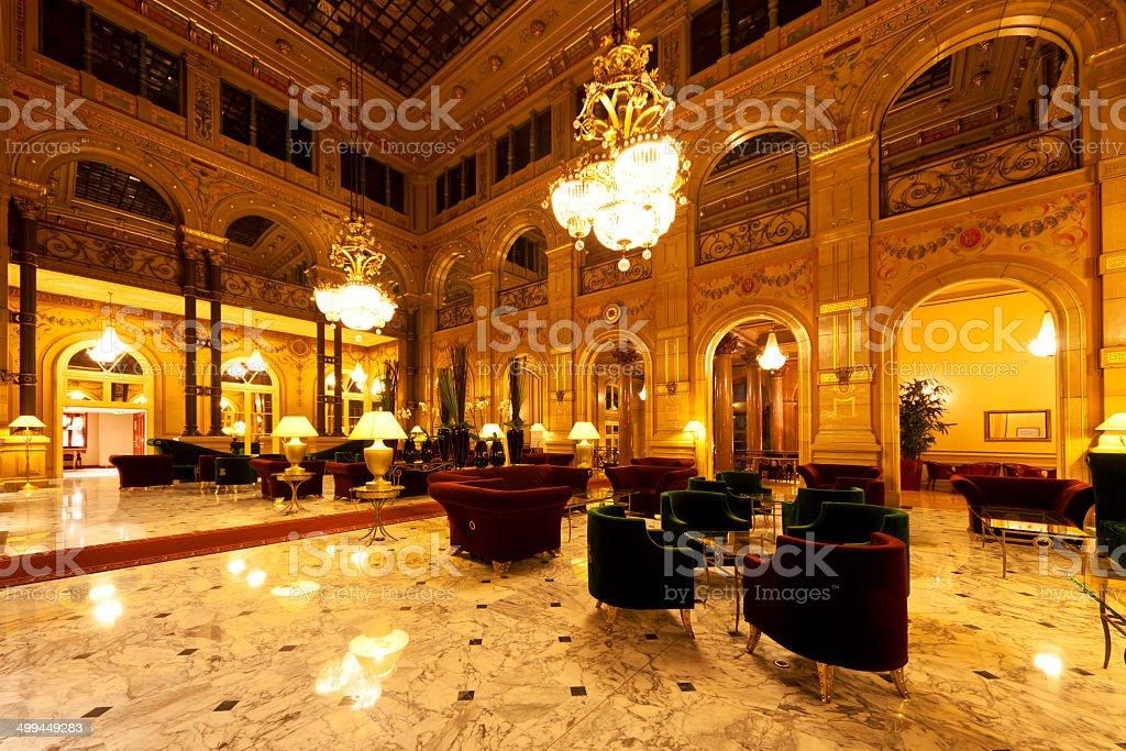 lobby hotelowe - Zbiór zdjęć royalty-free (Bez ludzi)