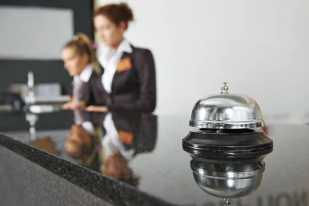 recepcja w hotelu z bell - hotel zdjęcia i obrazy z banku zdjęć