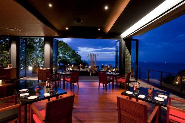 hotelrestaurant in phuket - veranda decke stock-fotos und bilder