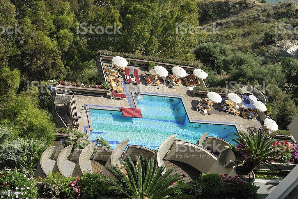 Hotel-Swimmingpool in Taormina Lizenzfreies stock-foto