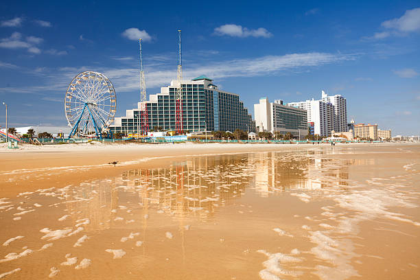 hotels and attraction along the shore in daytona beach - daytona 500 stock photos and pictures