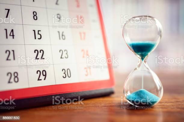 Hourglass and calendar picture id886661830?b=1&k=6&m=886661830&s=612x612&h=5pkgfemrk5ch24fpud6eucy2tnxt03w7jnydpkxuyn4=