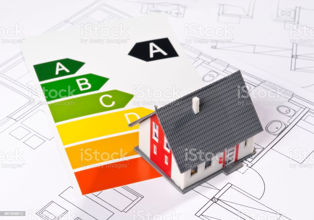 Haus und Energielabel stock photo