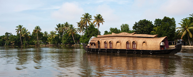 House boat on Kerala's backwaters, India.http://bem.2be.pl/IS/rajasthan_380.jpg