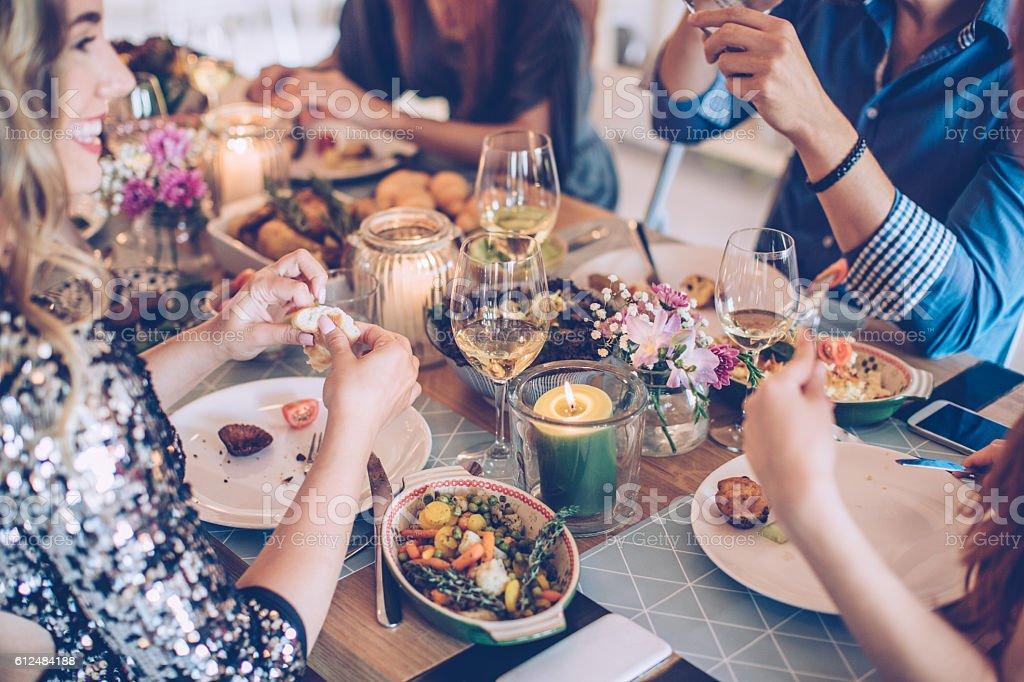 House feast for friends - Royalty-free 25-29 jaar Stockfoto