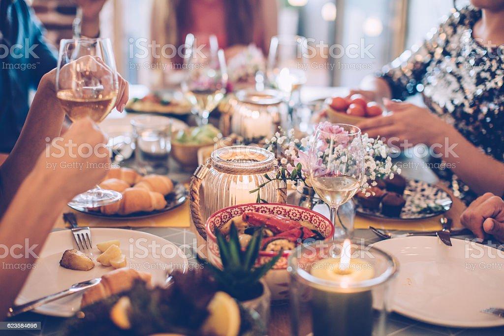 House feast for friends - foto de stock