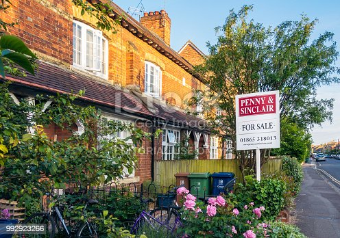 istock House for sale on a street in Oxford, England 992923266