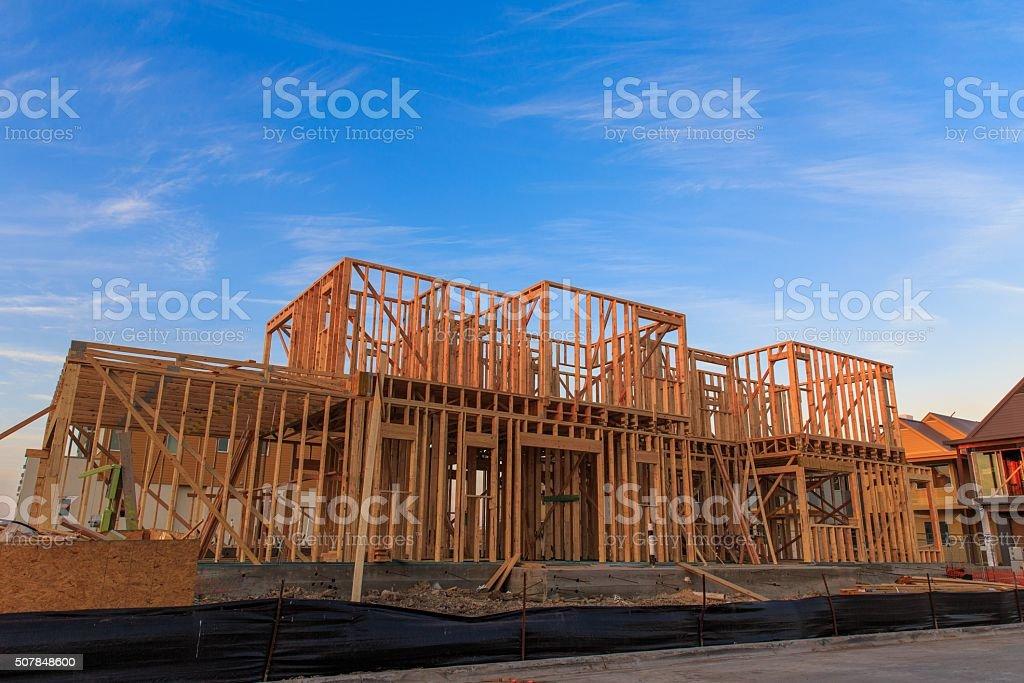 Casa De Encuadre - Stock Foto e Imagen de Stock | iStock
