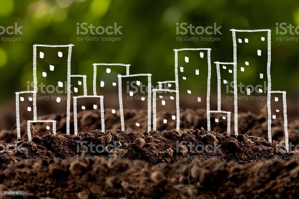 Haus und wachsenden im Boden – Foto