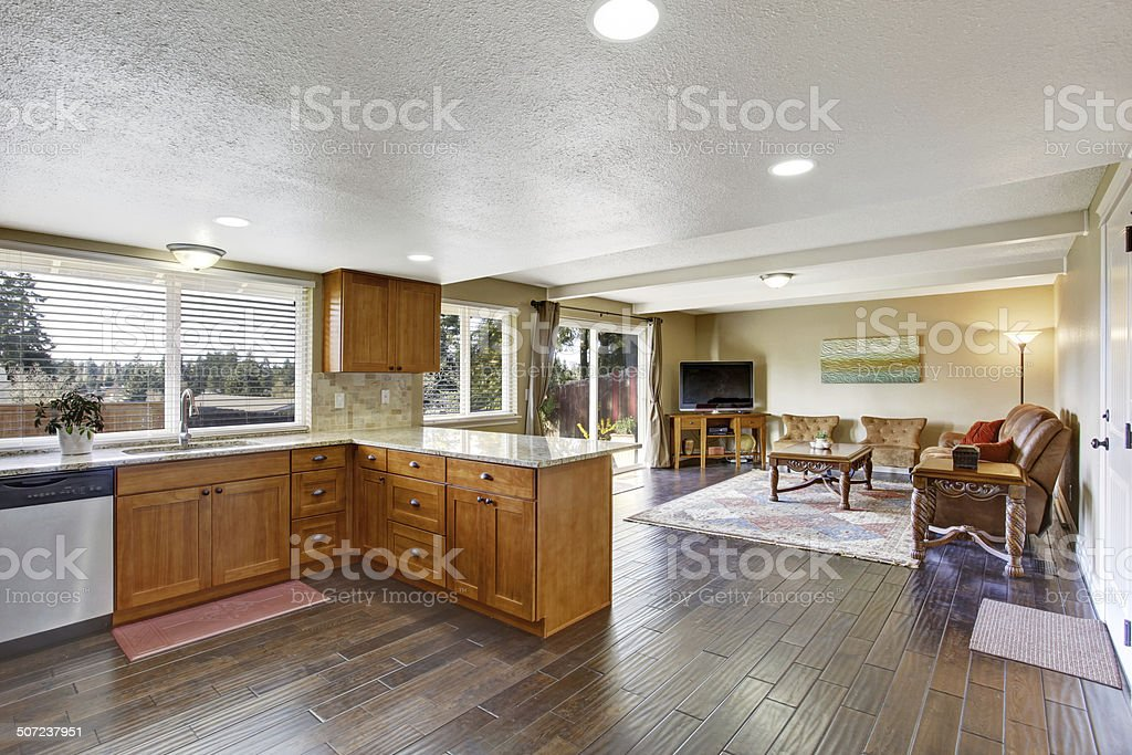 Haus Innen Mit Offene Grundriss Kuche Und Wohnzimmer
