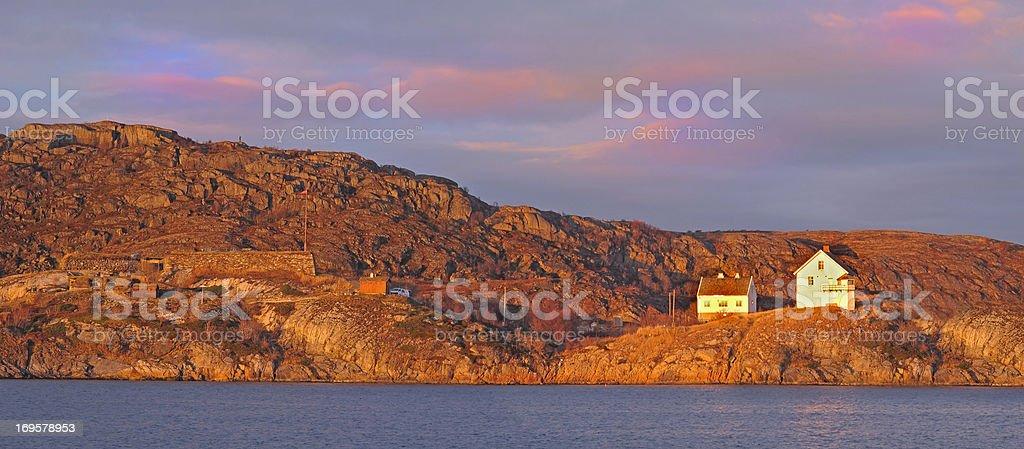 House nördlich des Polarkreises – Norwegen Lizenzfreies stock-foto