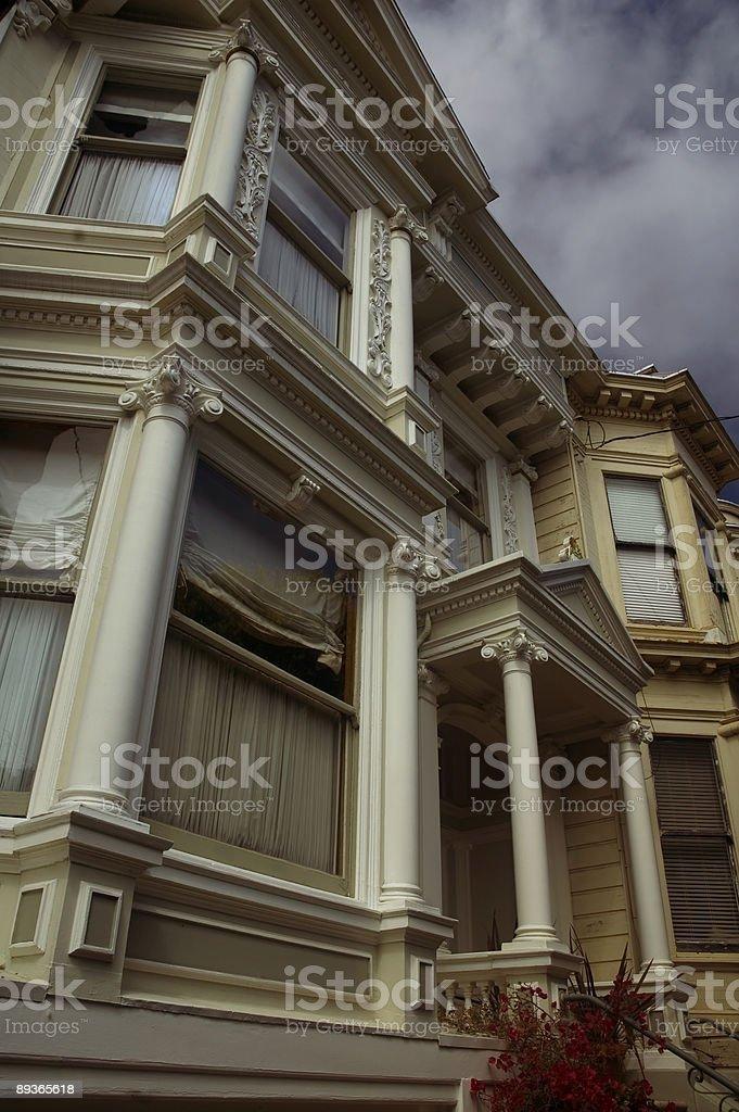 Maison sur un mauvais jour photo libre de droits