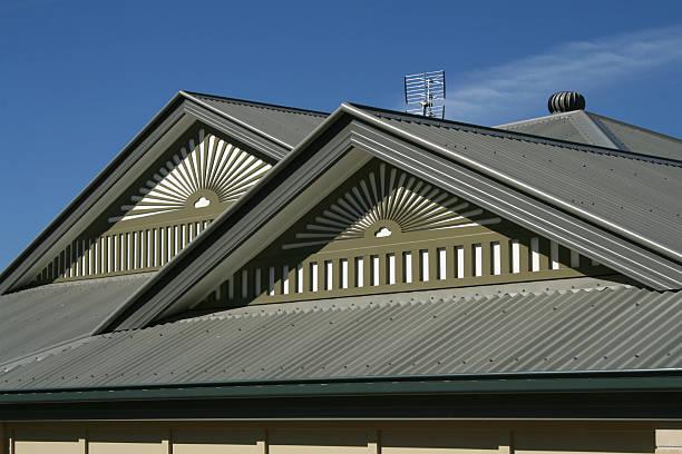 haus dach - dachformen stock-fotos und bilder