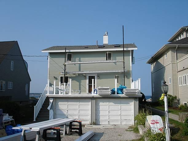 house under construction - surf garage bildbanksfoton och bilder