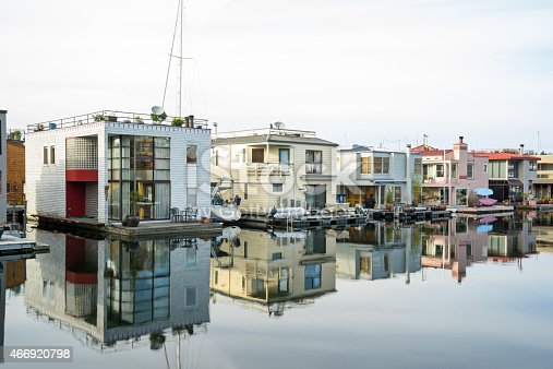 Houseboats line the shore in Seattle at Lake Union