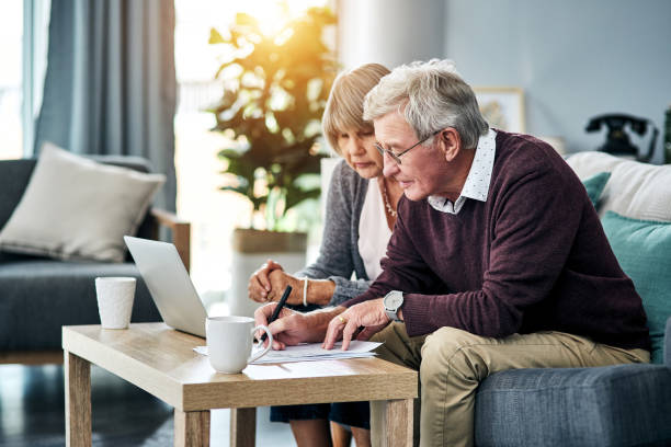las finanzas domésticas no se gestionan a sí mismas - planificación financiera fotografías e imágenes de stock