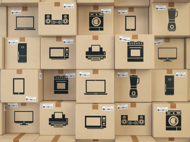 haushalt küchengeräte und unterhaltungselektronik in kisten. e-commerce, internet online einkaufs- und lieferservice konzept. - freizeitelektronik stock-fotos und bilder