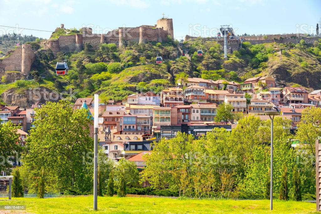 Houses and citadel of Old Town of Tbilisi, Republic of Georgia royalty free stockfoto