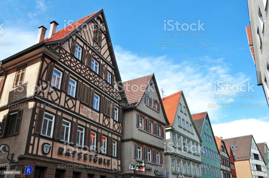 Häuser der alten Fachwerkhaus malerischen Straße von Bad Cannstatt. – Foto