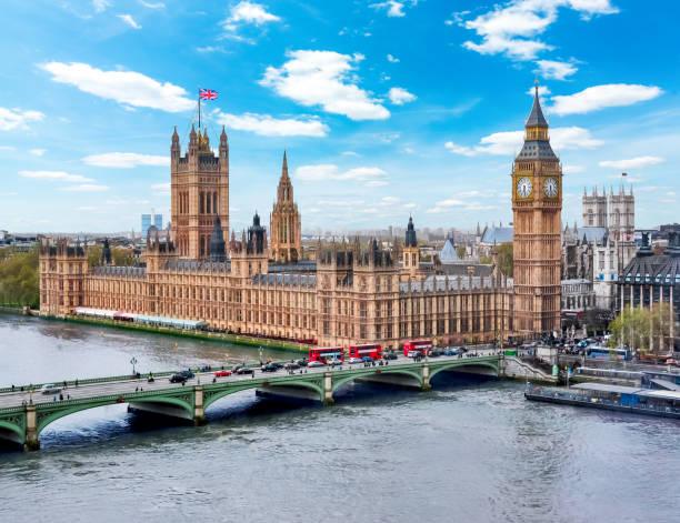 casas do parlamento (palácio de westminster) e torre de ben grande, londres, reino unido - reino unido - fotografias e filmes do acervo
