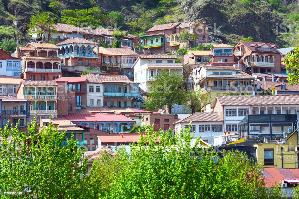 Houses with traditional wooden carving balconies of Old Town of Tbilisi, Republic of Georgia photo libre de droits