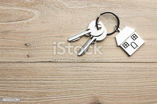 istock House-shaped key 693504284