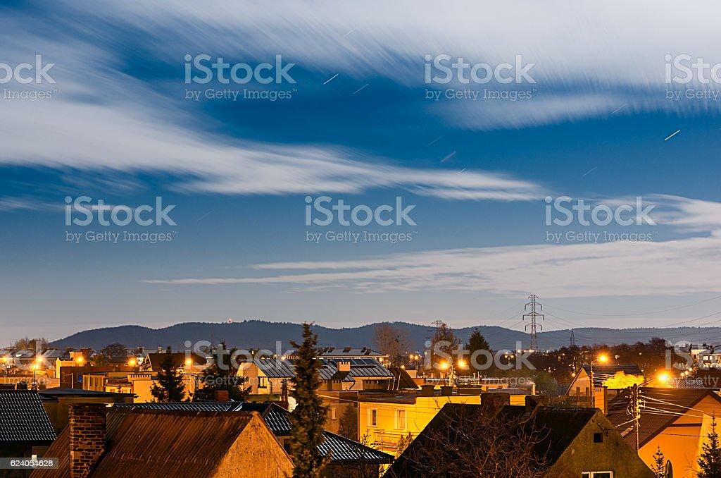 housing estate at night – zdjęcie
