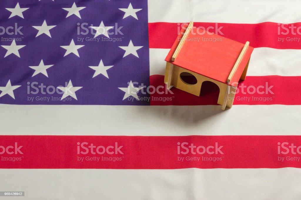 US housing - Zbiór zdjęć royalty-free (Amerykańska flaga)