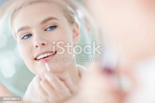 109721176istockphoto How to make your make-up look natural 463546815