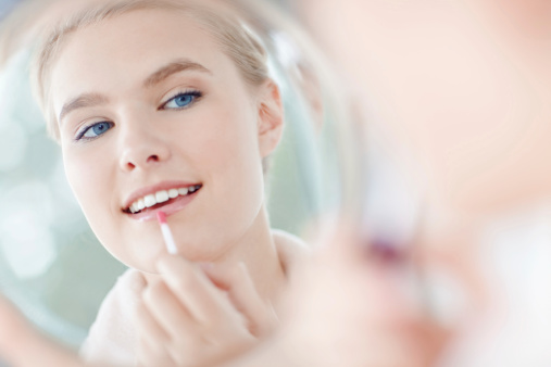 109721176 istock photo How to make your make-up look natural 463546815