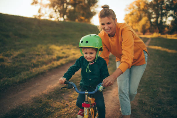 How to ride a bike? - foto stock