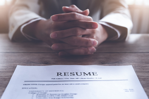 hr audit resume applicant paper and interview to applicant for selection human resource to company.